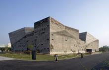 Ningbo History Museum, por Amateur Architecture Studio (Wang Shu + Lu Wenyu)