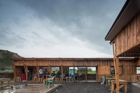 Community Kitchen of Terras da Costa / ateliermob + Colectivo Warehouse