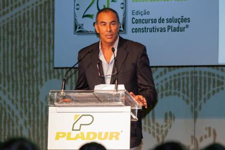 Miguel Varela Gomes, do CDN, discursa na gala de entrega dos prémios da 29.ª edição do Prémio Pladur©